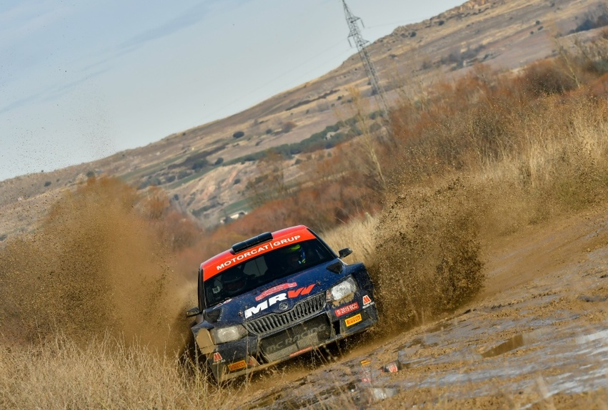 jornada-de-co-driver-del-mrw-rally-team_full